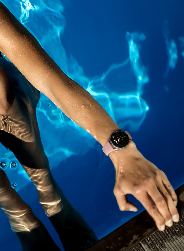 samsung-galaxy-watch-active-tracking-activities-health-fitness-swimming-water-resistance-01